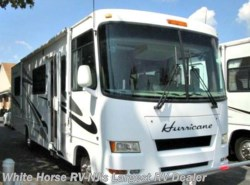 Used 2007  Thor Motor Coach Hurricane 30Q Queen Bed, Sofa, Dinette by Thor Motor Coach from White Horse RV Center in Williamstown, NJ
