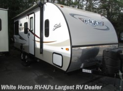 Used 2015  Shasta Flyte 215CK Queen Bed, Sofa/Bed, Dinette by Shasta from White Horse RV Center in Egg Harbor City, NJ