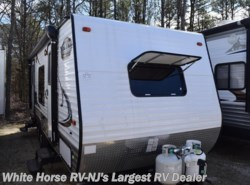 Used 2017  Coachmen Viking 21FQ by Coachmen from White Horse RV Center in Egg Harbor City, NJ