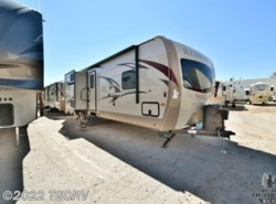 New 2018  Forest River Rockwood Signature Ultra Lite Travel Trailer 8327SS by Forest River from The Great Outdoors RV in Evans, CO