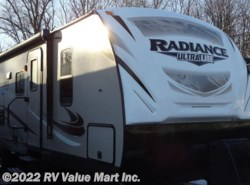 New 2017  Cruiser RV Radiance Ultra Lite R-30DS by Cruiser RV from RV Value Mart Inc. in Lititz, PA