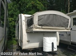 Used 2006  Fleetwood  200XP by Fleetwood from RV Value Mart Inc. in Lititz, PA