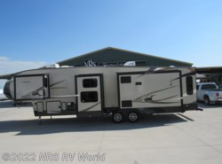 Used 2015  Coachmen Chaparral 360 IBL by Coachmen from NRS RV World in Decatur, TX