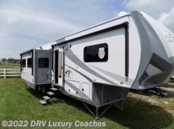 New 2018  Open Range Roamer 374BHS