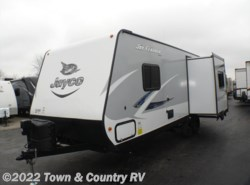 New 2017  Jayco Jay Feather 23RLSW by Jayco from Town & Country RV in Clyde, OH