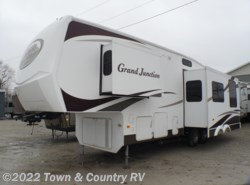 Used 2007  Dutchmen Grand Junction 29DRK by Dutchmen from Town & Country RV in Clyde, OH