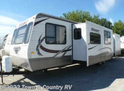 Used 2013  Keystone Hideout 38FDDS by Keystone from Town & Country RV in Clyde, OH