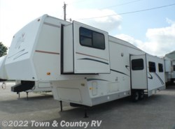 Used 1999  Forest River Cardinal LX 33RK by Forest River from Town & Country RV in Clyde, OH