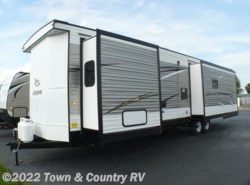 New 2018  Jayco Jay Flight Bungalow 40RLTS by Jayco from Town & Country RV in Clyde, OH
