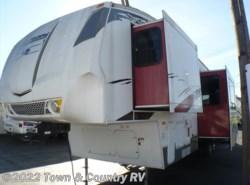 Used 2009  Keystone Fuzion 322 by Keystone from Town & Country RV in Clyde, OH