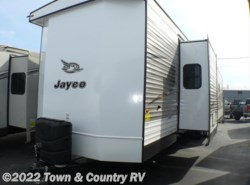 New 2018  Jayco Jay Flight Bungalow 40FBTS by Jayco from Town & Country RV in Clyde, OH