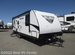 New 2018  Winnebago Minnie 2250DS U Shaped Dinettes/ Rear Bath by Winnebago from Best RV Center in Turlock, CA