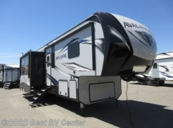 New 2019 Keystone Avalanche 395BH 6 Point Hydraulic Auto Leveling/ Two Bedroom available in Turlock, California