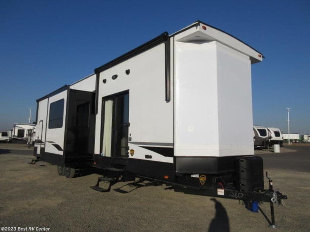 2021 CrossRoads Hampton HP388FKL