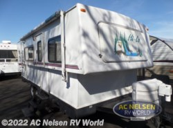 Used 2004  Hi-Lo  Hi-Lo 2404T by Hi-Lo from AC Nelsen RV World in Shakopee, MN