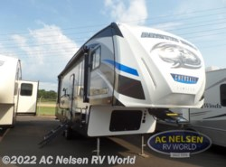 New 2018  Forest River Cherokee Arctic Wolf 255DRL4 by Forest River from AC Nelsen RV World in Shakopee, MN