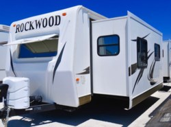 Used 2012  Forest River Rockwood Signature Ultra Lite 8315BSS