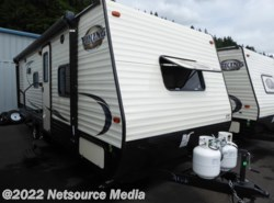 New 2017  Coachmen Viking Ultra-Lite 21BH by Coachmen from U-Neek RV Center in Kelso, WA