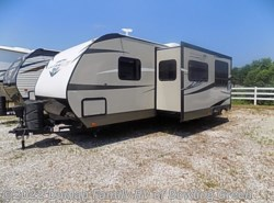 Used 2016  Highland Ridge Light 2604RB by Highland Ridge from Dunlap Family RV  in Bowling Green, KY