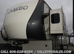 New 2016 CrossRoads Cameo CM33RL available in Corbin, Kentucky