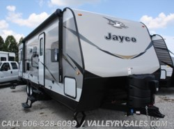 New 2018  Jayco Jay Flight 28BHBE by Jayco from Valley RV Sales in Corbin, KY