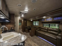Used 2016  Cruiser RV Shadow Cruiser SC 280QBS