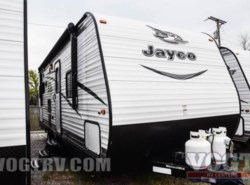 Used 2017  Jayco Jay Flight SLX 245BHSW by Jayco from Vogt Family Fun Center  in Fort Worth, TX
