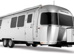 New 2018  Airstream Flying Cloud 30 BH by Airstream from Vogt Family Fun Center  in Fort Worth, TX