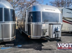New 2018  Airstream Tommy Bahama 27FB by Airstream from Vogt Family Fun Center  in Fort Worth, TX