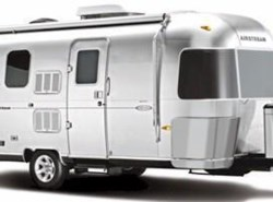 Used 2013  Airstream Flying Cloud 25FB by Airstream from Vogt Family Fun Center  in Fort Worth, TX
