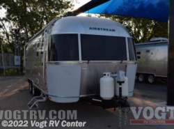 New 2017  Airstream Flying Cloud 25 by Airstream from Vogt RV Center in Ft. Worth, TX