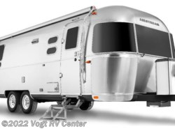 New 2018  Airstream International Signature 27FB Twin by Airstream from Vogt RV Center in Ft. Worth, TX