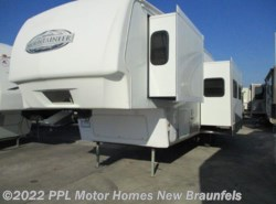 Used 2009 Keystone Montana Mountaineer 347THT available in New Braunfels, Texas