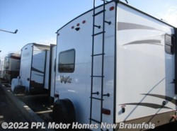 Used 2017  Forest River Flagstaff V-Lite 30WTBSK by Forest River from PPL Motor Homes in New Braunfels, TX