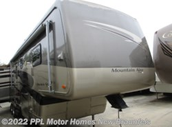 Used 2005 Newmar Mountain Aire 37BSES available in New Braunfels, Texas
