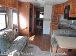 Used 2004  Four Winds  Hurricane 31K by Four Winds from PPL Motor Homes in New Braunfels, TX