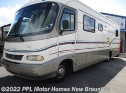Used 1997 Holiday Rambler Vacationer 32CG available in New Braunfels, Texas