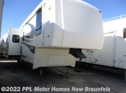 Used 2005 Carriage Cameo Lxi 33CKQ available in New Braunfels, Texas
