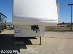 Used 2004  Keystone Montana 2955RL by Keystone from PPL Motor Homes in Cleburne, TX