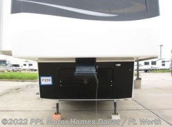Used 2009  Carriage Carri-Lite 36MAX1 by Carriage from PPL Motor Homes in Cleburne, TX