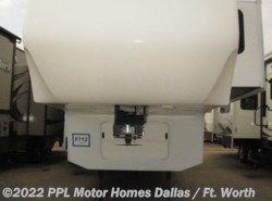 Used 2012  Peterson  Winslow 31RLE by Peterson from PPL Motor Homes in Cleburne, TX