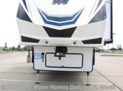 Used 2016  Grand Design Momentum 350M by Grand Design from PPL Motor Homes in Cleburne, TX