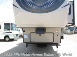 Used 2014  Heartland RV  Silverado 38QBS by Heartland RV from PPL Motor Homes in Cleburne, TX