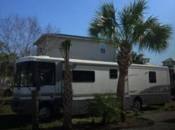 Used 2002  Winnebago  Winnebago Chieftain WPL39T by Winnebago from POP RVs in Sarasota, FL