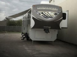 Used 2013  Keystone Montana MR 346LBQ13 by Keystone from POP RVs in Sarasota, FL