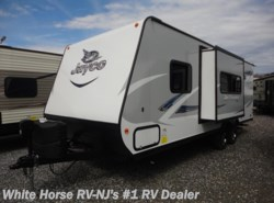 New 2017  Jayco Jay Feather 22FQSW Front Queen w/Sofa Slideout by Jayco from White Horse RV Center in Williamstown, NJ