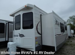 Used 2015  Jayco Jay Flight Bungalow 40FKS Front Kitchen, Triple Slide-out by Jayco from White Horse RV Center in Williamstown, NJ