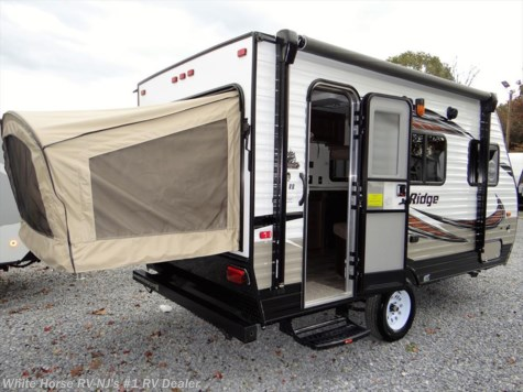 2018 Starcraft Autumn Ridge Outfitter 15RB Front Dinette, Rear Bed End