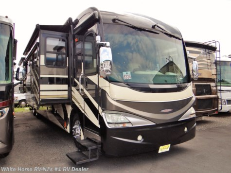 2010 Fleetwood Revolution LE 42T Triple Slide 1 & 1/2 Baths Diesel