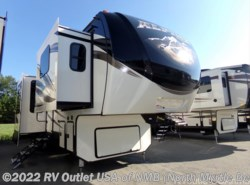New 2018  Keystone Alpine 3660FL by Keystone from RV Outlet USA in North Myrtle Beach, SC